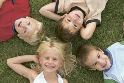 Kinder und Kopfläuse