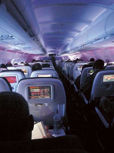 Tribut an den Massentourismus, Flugreisen und Thrombosen