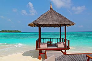beach-hut-237489_1280-300